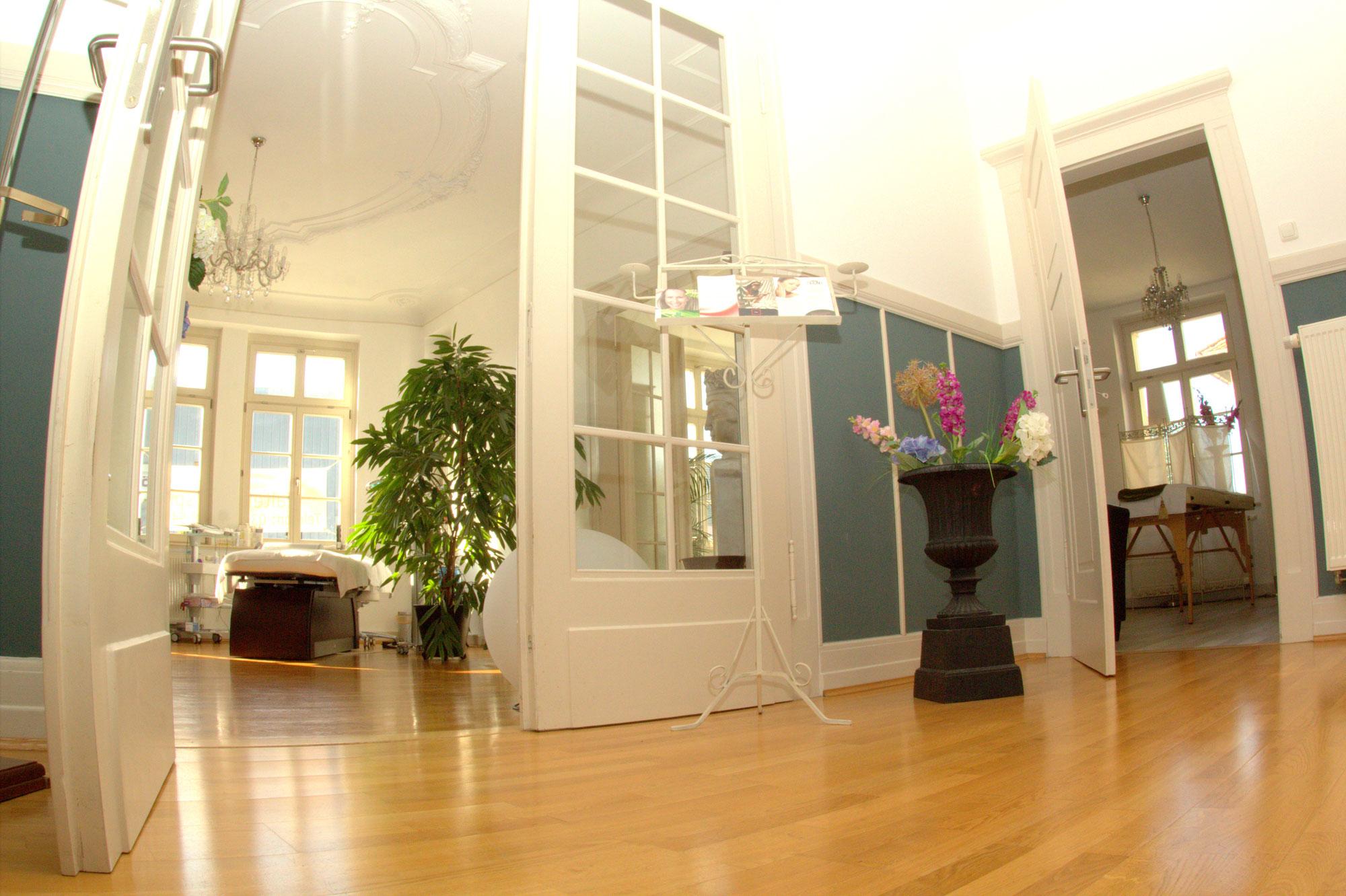 faltenunterspritzung typisch adler beauty wellness in gotha. Black Bedroom Furniture Sets. Home Design Ideas